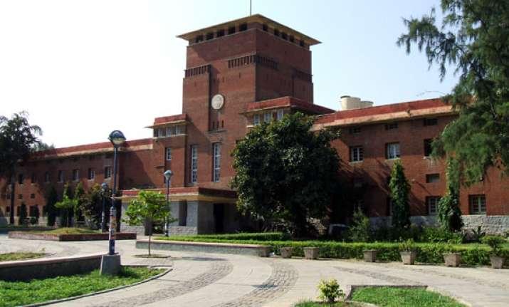delhi university graduate held for cheating