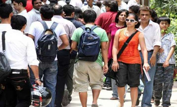 delhi university s academic council scraps fyup
