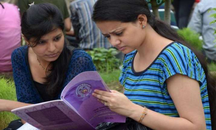 delhi university colleges to begin new session tomorrow