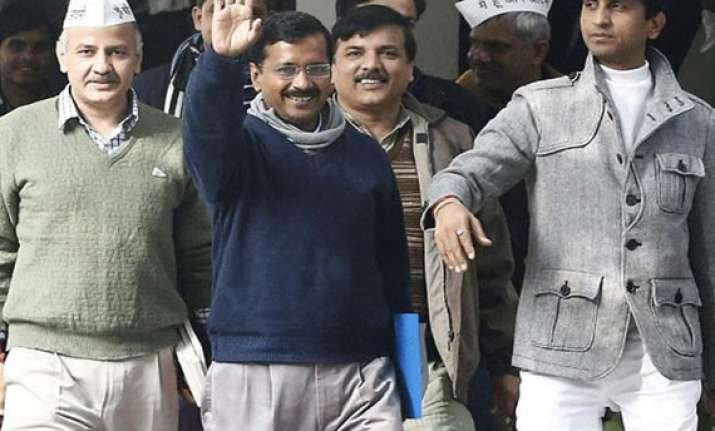 delhi cabinet may take up swaraj bill tomorrow