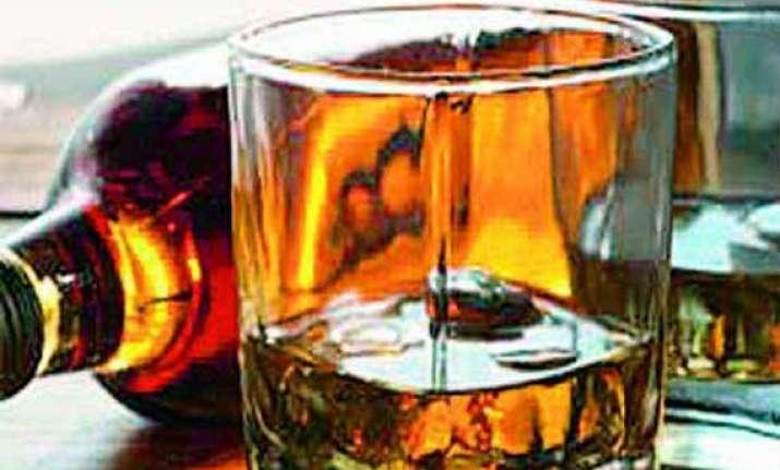 delhi govt earns rs 3 150 cr excise revenue from liquor sale