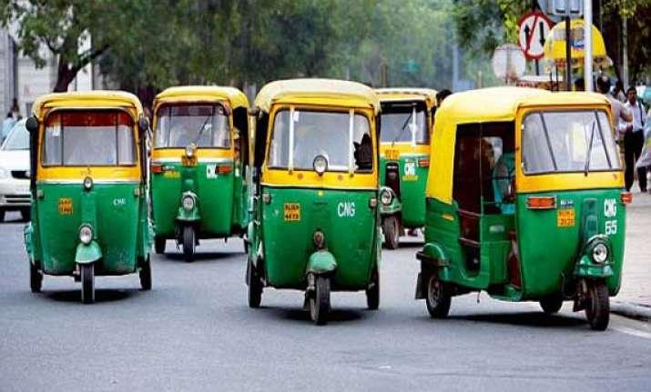 delhi govt plans to put 1.5 lakh more autorickshaws on roads