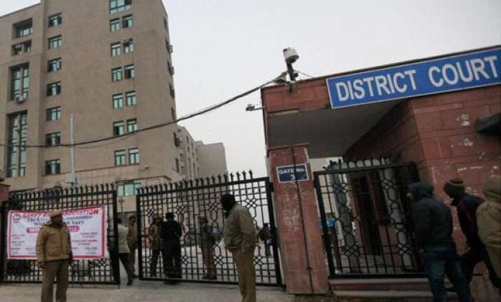 delhi judge acquits youth accused for gangrape