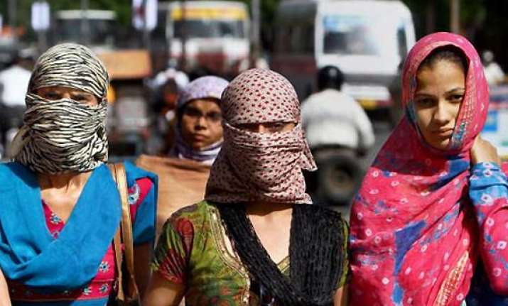 delhi records season s hottest morning