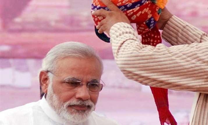 delhi s gujarati community plans to felicitate narendra modi