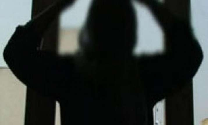 delhi woman arrested for torturing maid
