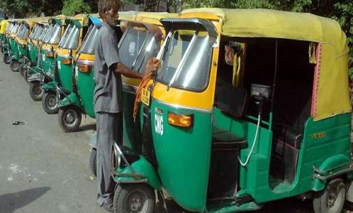 delhi auto strike on wednesday to protest anna s arrest