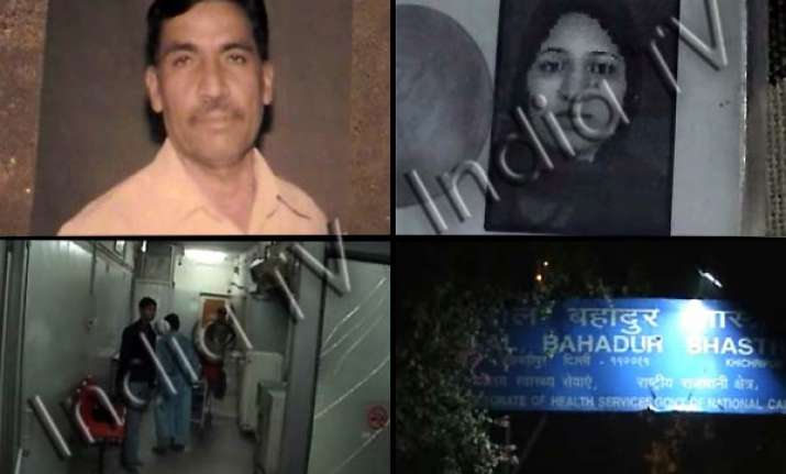 delhi doctor bashes up pregnant tenant causes miscarriage