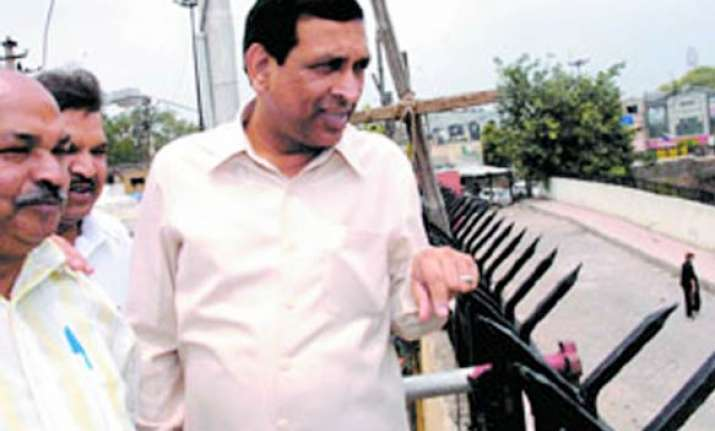 delhi lokayukta recommends removal of minister chauhan