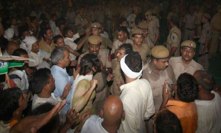 delhi police issues new order for holding rallies protests