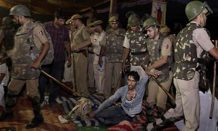 delhi police tells sc no force was used at ramlila maidan