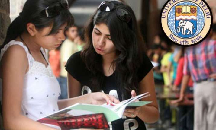 delhi university releases first cut off list for admission