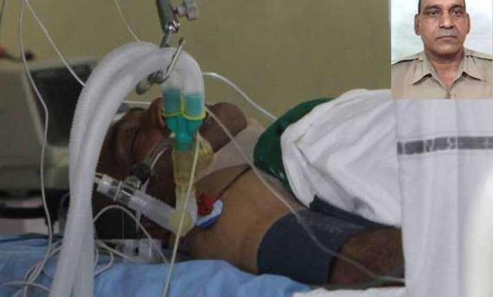 delhi police constable subhash chand critical on ventilator