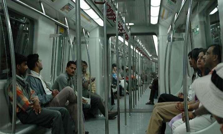 delhi s per capita income is rs 1 75 812