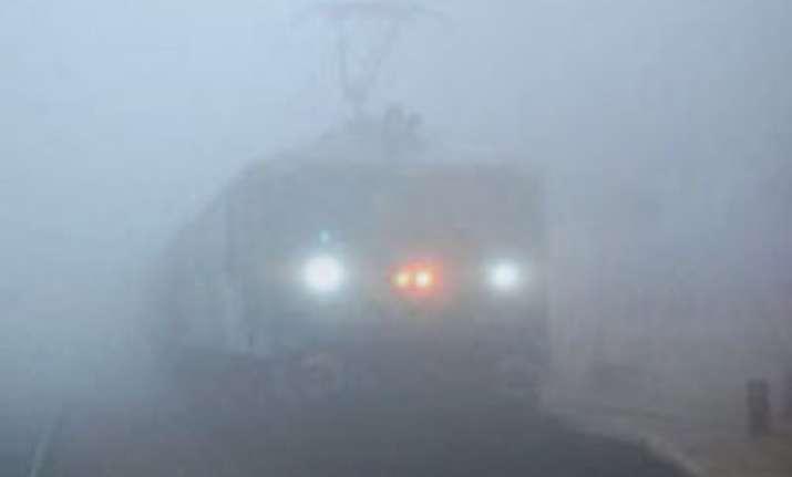 dense fog in ncr delays 23 trains