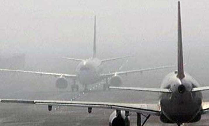 dense fog hits igi airport over 100 flights affected