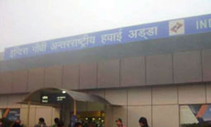 dense fog hits operations at indira gandhi airport