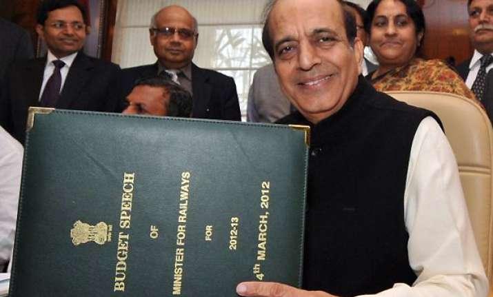 dinesh trivedi resorts to urdu couplets in budget speech