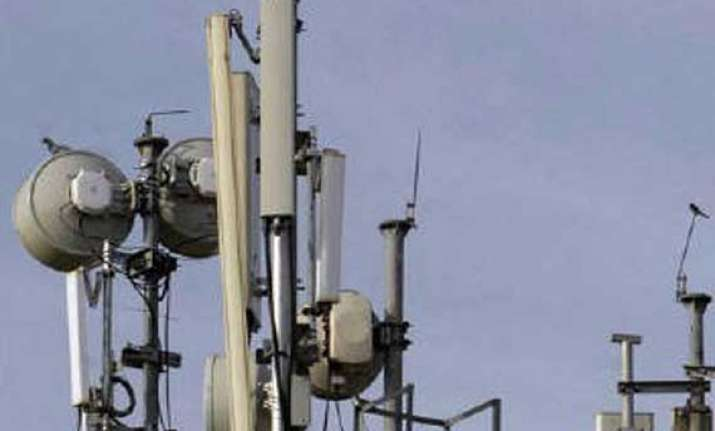 DoT issues order to CDMA players for one-time spectrum fee | India