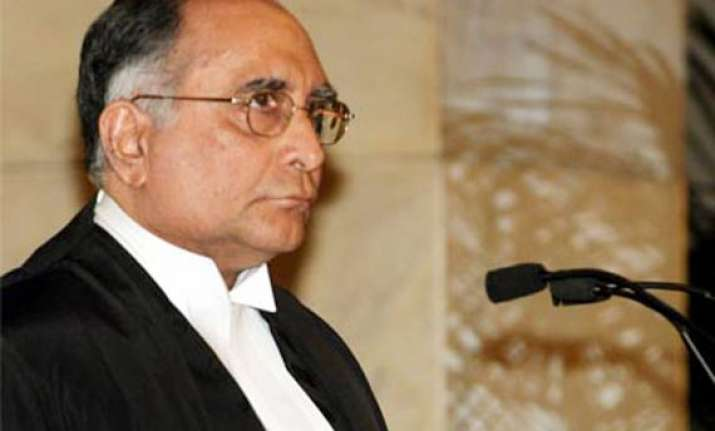 don t give political protection to corrupt judges says