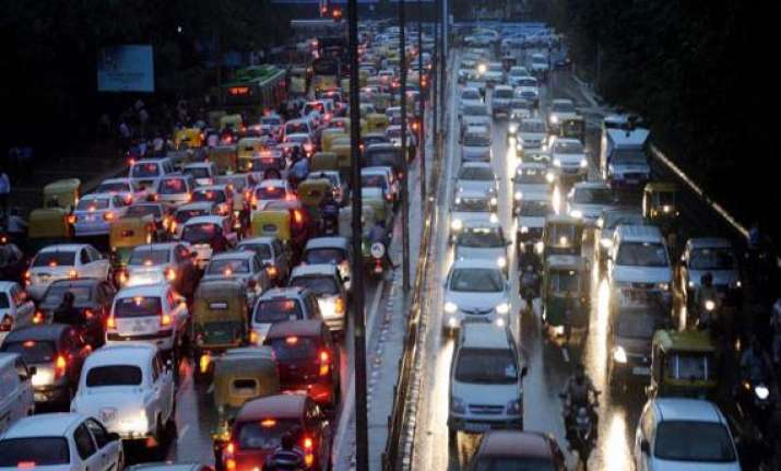 downpour chaos spills on to delhi s road