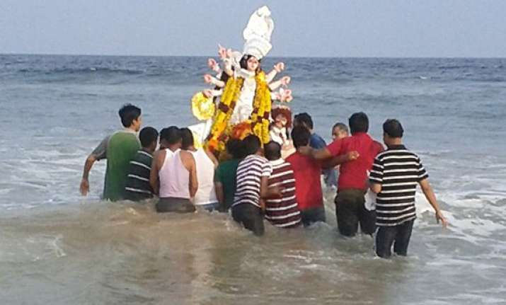durga puja ends in bengal with immersion of idols