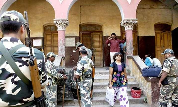 ec makes 1.86 lakh preventive arrests ahead of gujarat polls