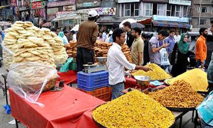 eid shopping fever in kashmir valley
