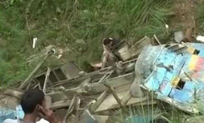 eighteen die as bus rolls into gorge in himachal