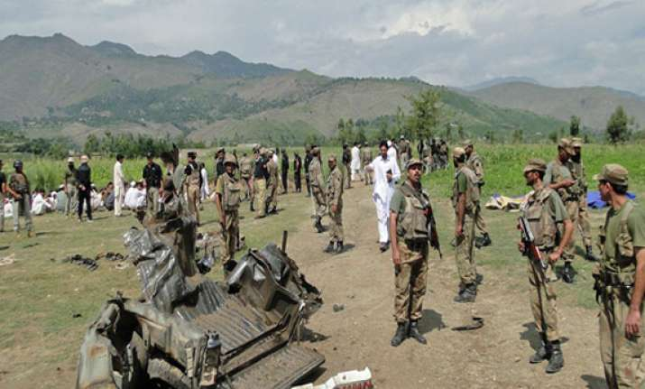 eight militants arrested in manipur