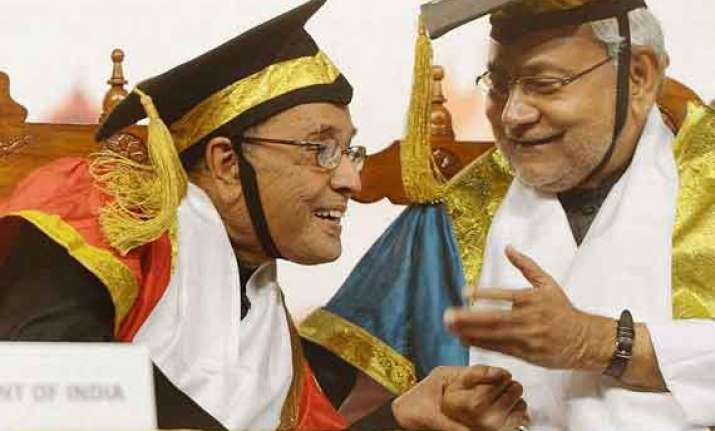 end tradition of wearing gowns at convocations nitish
