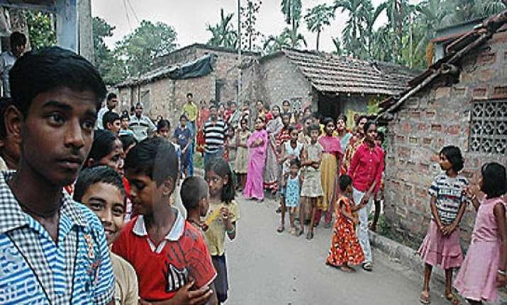 evicted slum dwellers in kolkata threaten to exercise nota