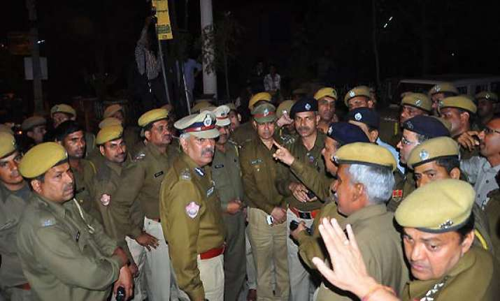 fir against rajasthan igp for assaulting official driver