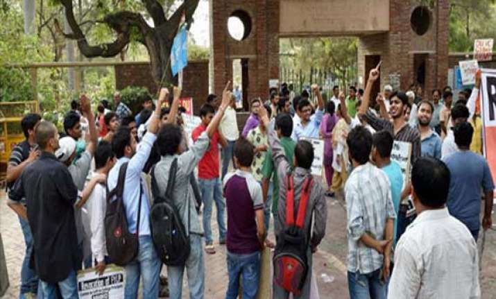 du admission confusion persists students left in limbo