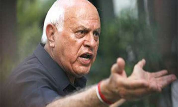 farooq abdullah lodges complaint over fake twitter account