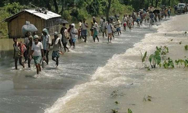 fifteen villages submerged ten thousand affected in malda