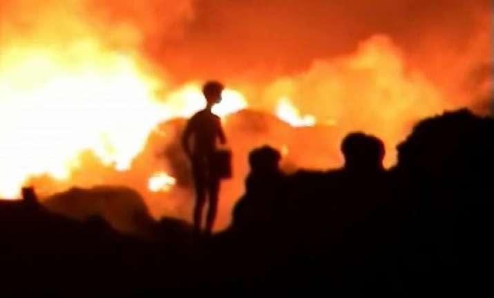 massive fire breaks out in ghaziabad slum cluster 3 injured