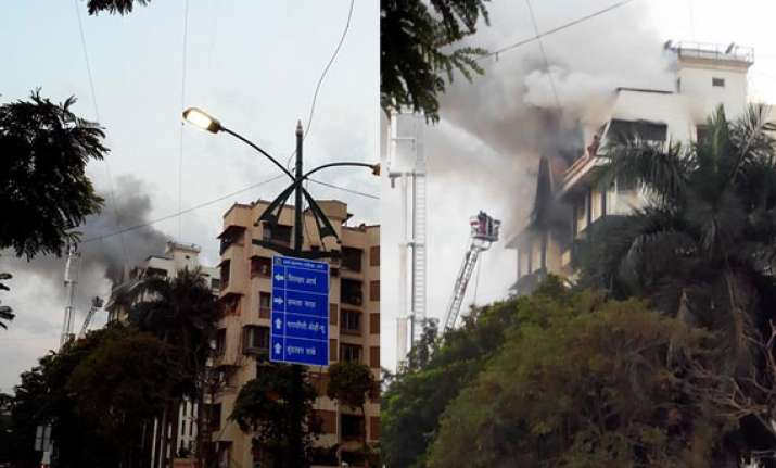 two dead 4 injured in 12 storeyed residential building