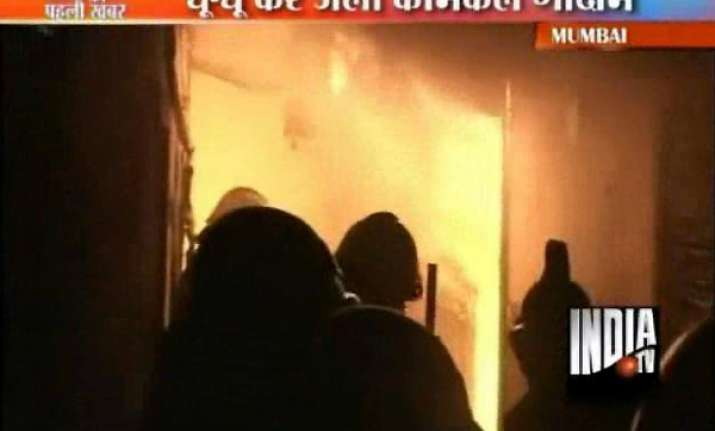 fire guts godowns in goregaon mumbai