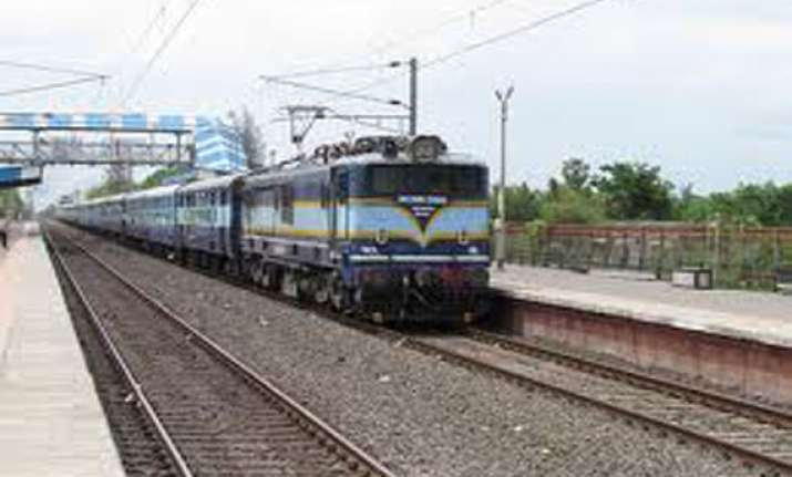 first passenger train on koderma nawadih giridih railway