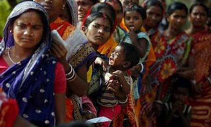 nearly 75 per cent vote in first phase of bengal polls