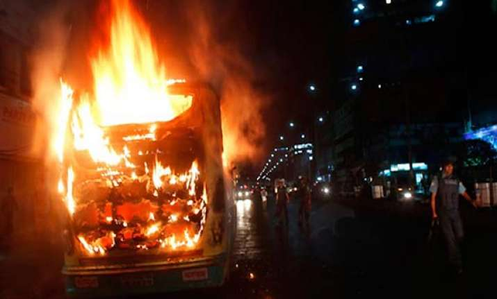five burnt alive in bus fire in mp