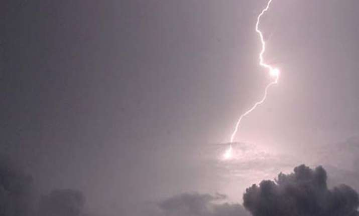 five killed by lightning in karnataka village