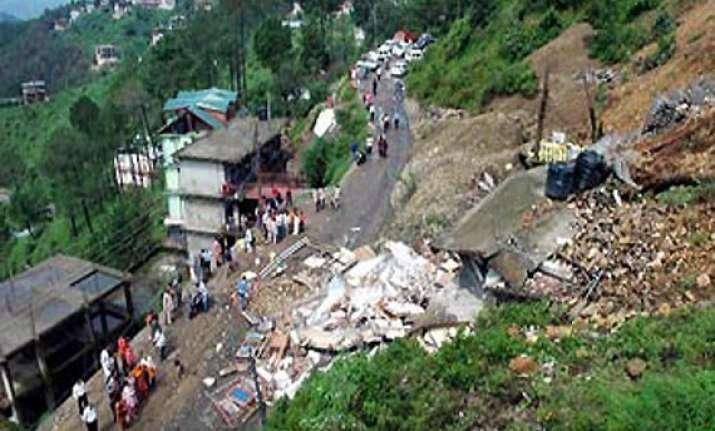 five of family buried in himachal landslide