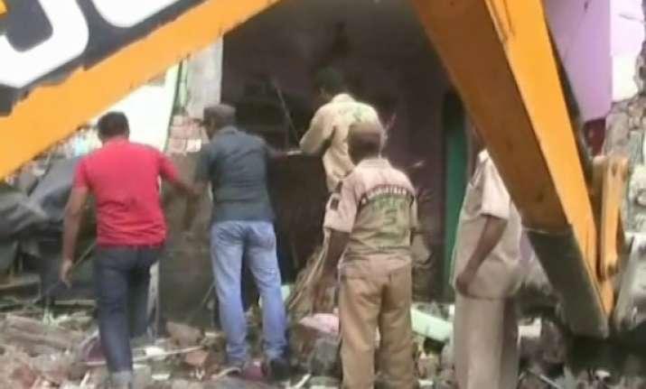 five killed in cracker blast in punjab