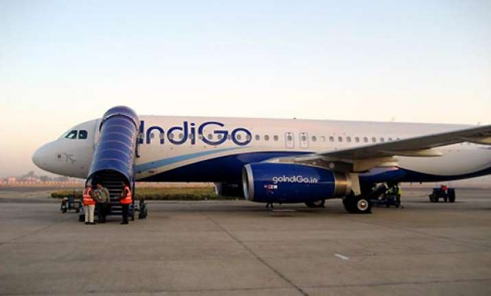 flight hit by a bird makes emergency landing in jaipur
