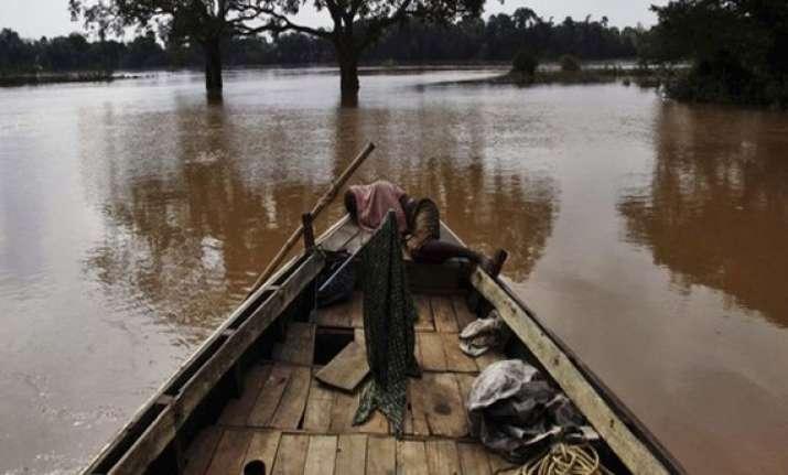 flood fury thousands still stranded in odisha
