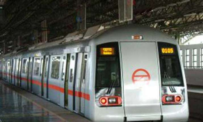 foreign material ohe wire disrupts metro service