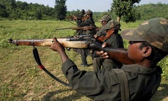 four arms supplier to maoists arrested