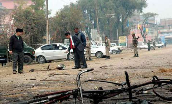 four injured in bomb blast in imphal